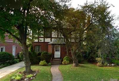 Fresh Meadows Single Family Home For Sale: 75-16 174th Street