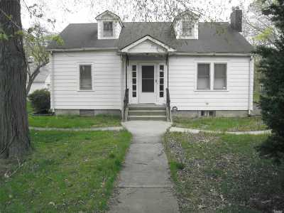 Suffolk County Multi Family Home For Sale: 85 Cocoanut St