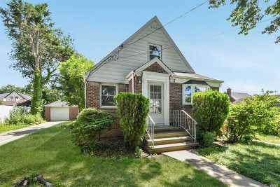 Mineola Single Family Home For Sale: 132 Wardwell Rd