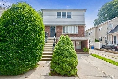 Port Washington Multi Family Home For Sale: 24 Dunwood Rd