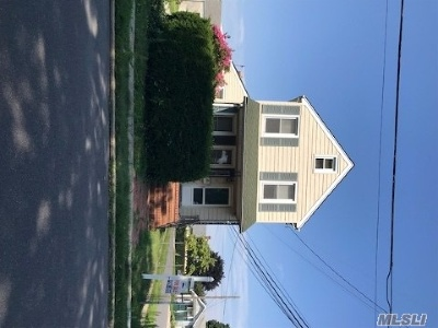 Westbury Single Family Home For Sale: 39 S Grand St