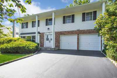 Smithtown Single Family Home For Sale: 42 Abbot Rd
