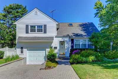 Nassau County Single Family Home For Sale: 15 Marlboro Ave