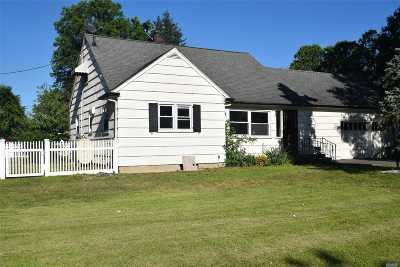 Nassau County Single Family Home For Sale: 431 Upland St
