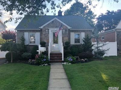Bellmore Single Family Home For Sale: 2388 Bellmore Ave