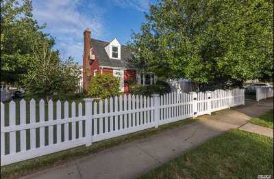 Freeport Single Family Home For Sale: 185 Washington St