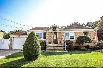 Nassau County Single Family Home For Sale: 81 17th St