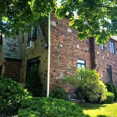 Flushing Single Family Home For Sale: 46-02 193 St