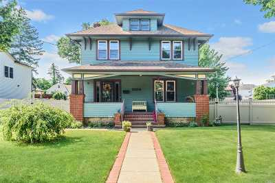 Merrick Single Family Home For Sale: 2058 Kirkwood Ave