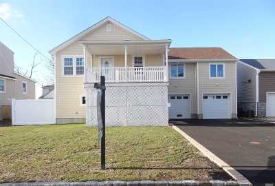 Lindenhurst Single Family Home For Sale: 965 S 4th St