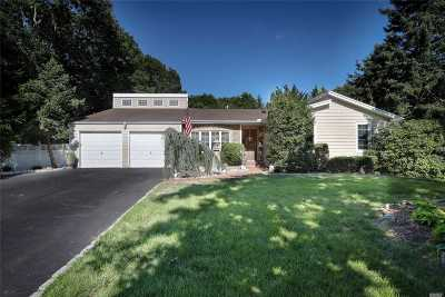 Manorville Single Family Home For Sale: 21 Harmony St