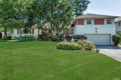 Nassau County Single Family Home For Sale: 122 Robby Ln