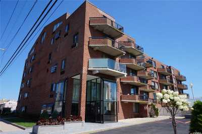 Long Beach NY Condo/Townhouse For Sale: $440,000