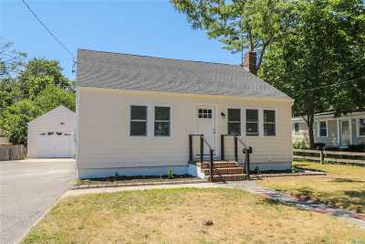 Patchogue Single Family Home For Sale: 44 Case Ave