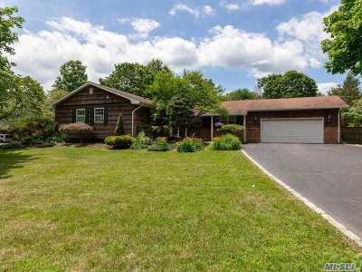 Setauket Single Family Home For Sale: 170 Gnarled Hollow Rd