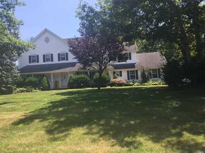 Shoreham Single Family Home For Sale: 65 Ridgefield Dr