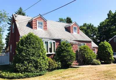 N. Bellmore Single Family Home For Sale: 2364 Elk Ct