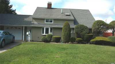 Hicksville Single Family Home For Sale: 5 Spray Ln