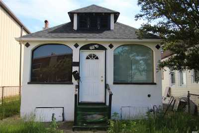 Long Beach NY Single Family Home For Sale: $175,000