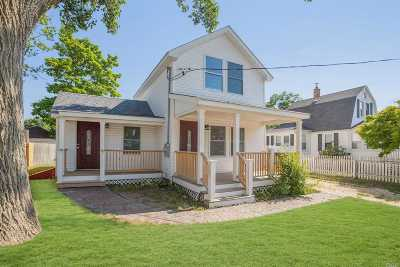 Patchogue Single Family Home For Sale: 30 Liberty St