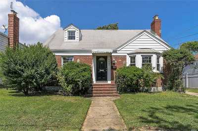 Oceanside Single Family Home For Sale: 3421 Frederick St
