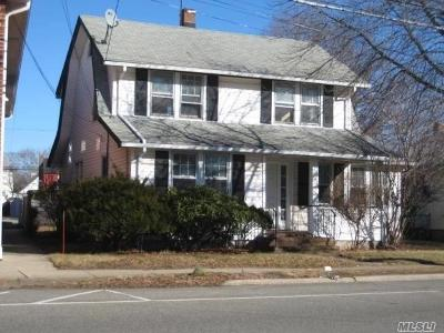 New Hyde Park Single Family Home For Sale: 552 Lakeville Rd