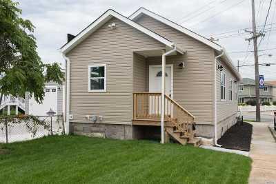 Island Park Single Family Home For Sale: 541 Long Beach Rd