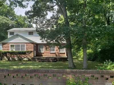 Medford Single Family Home For Sale: 140 Bellport Ave