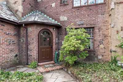 Flushing Single Family Home For Sale: 45-56 193 St
