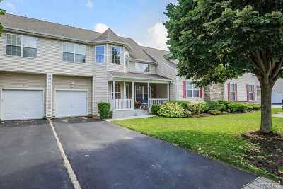 Miller Place Condo/Townhouse For Sale: 79 Meadow Pond Cir