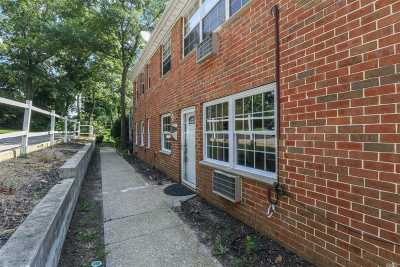 Hauppauge NY Condo/Townhouse For Sale: $219,990