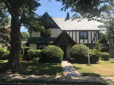 Woodmere Single Family Home For Sale: 967 Benton St