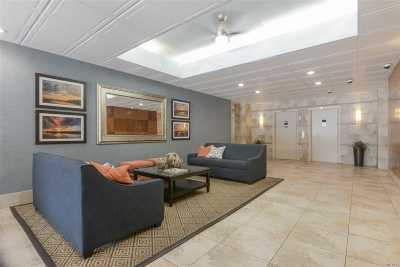Long Beach NY Co-op For Sale: $235,000