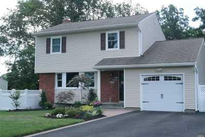 Smithtown Single Family Home For Sale: 12 Norwalk Ln