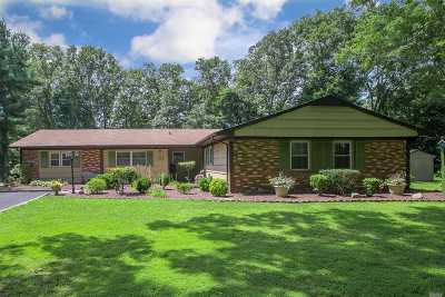 Stony Brook Single Family Home For Sale: 6 Sandstone Ln