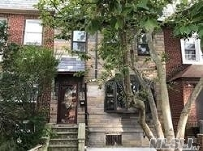 Forest Hills Single Family Home For Sale: 66-04 Saunders St