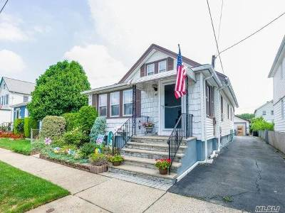 Floral Park Single Family Home For Sale: 95 Barwick St
