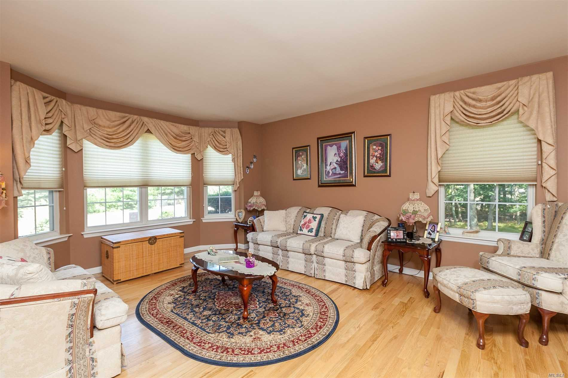 1 Chateau Dr, Manorville, NY.  MLS# 3052956   Real Estate & Homes ...