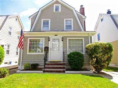 Bellerose, Glen Oaks Single Family Home For Sale: 87-35 252 St