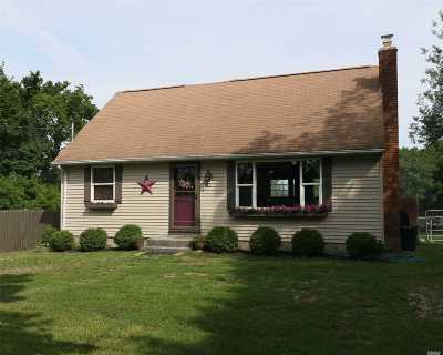 Calverton Single Family Home For Sale: 62 Youngs Ave