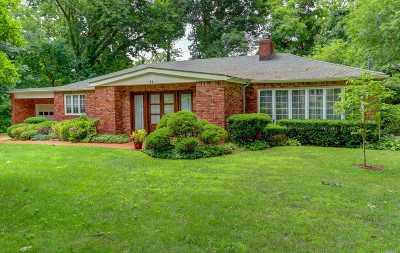 Roslyn Single Family Home For Sale: 71 Knollwood Rd