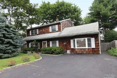 Levittown Single Family Home For Sale: 3 Candle Ln