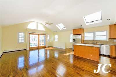 Long Beach Single Family Home For Sale: 47 Kentucky St