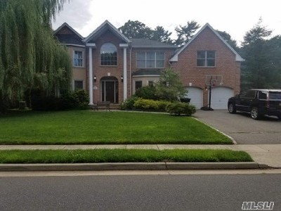 Roslyn Single Family Home For Sale: 14 Pasture Ln