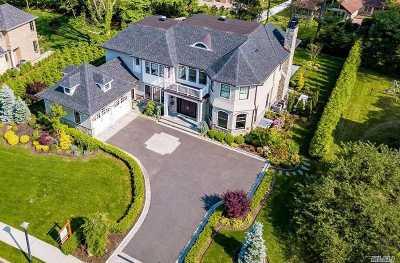 Roslyn Single Family Home For Sale: 28 Clover Ln