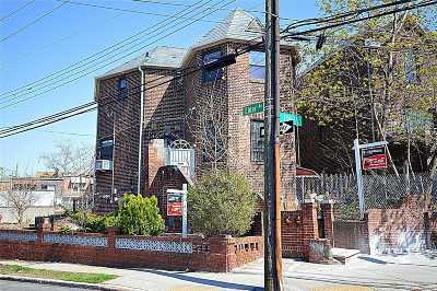 Flushing Single Family Home For Sale: 56-01 136th St