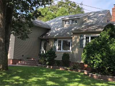 East Meadow Single Family Home For Sale: 1883 Stuyvesant Ave