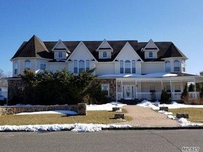 Medford Single Family Home For Sale: 28 Whittier Ave