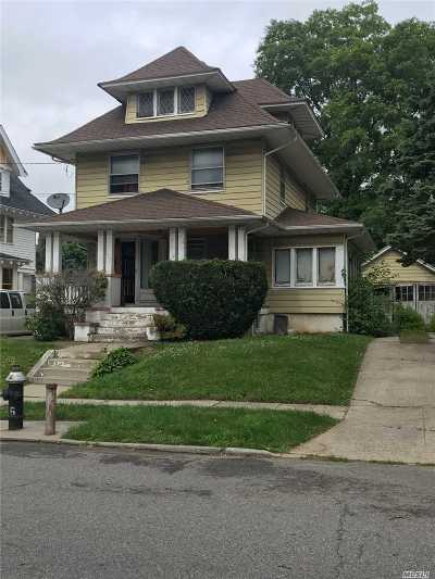 Jamaica Single Family Home For Sale: 109-41 196th St