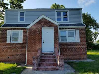 W. Babylon Multi Family Home For Sale: 922 7 St